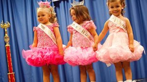 643018-child-beauty-contest